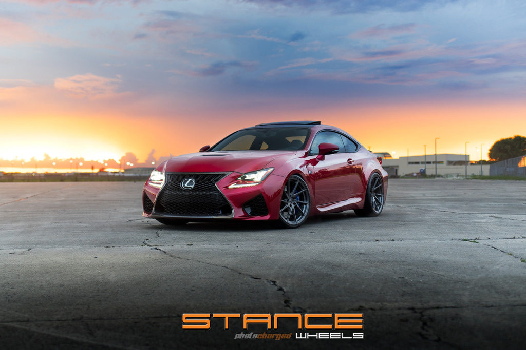 LexusRCF-Photoshoot_stance_sf01_2