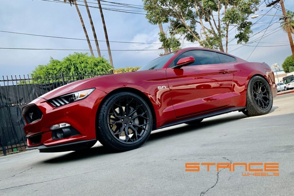 Ford_Mustang_Stance_SF10_Matte_Black_1-min