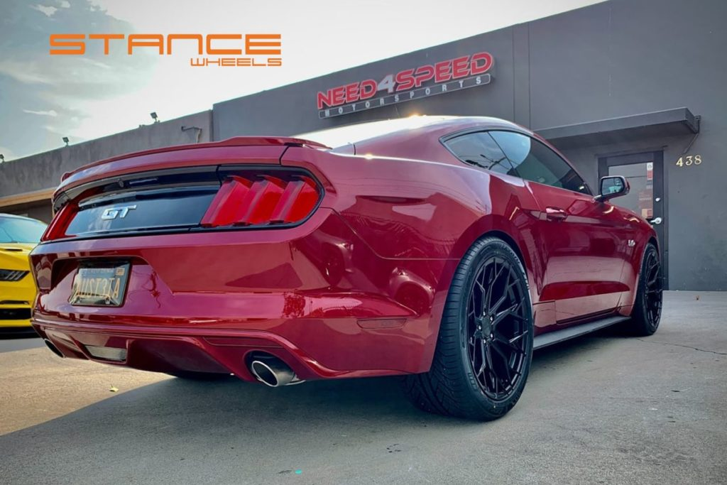 Ford_Mustang_Stance_SF10_Matte_Black_3-min