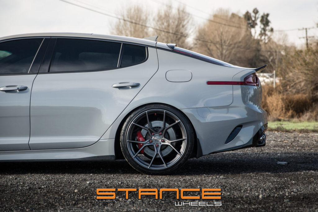 kia-stinger-gt2-stance-sf07 (3)